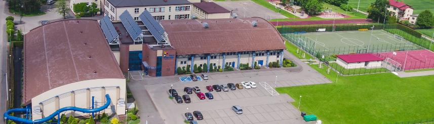 Zdjęcie przedstawia obiekty sportowe Gminnego Ośrodka Sportu i Rekreacji w Goczałkowicach-Zdroju z lotu ptaka