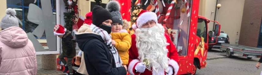 Radosne spotkanie z Mikołajem Kliknięcie w obrazek spowoduje wyświetlenie jego powiększenia